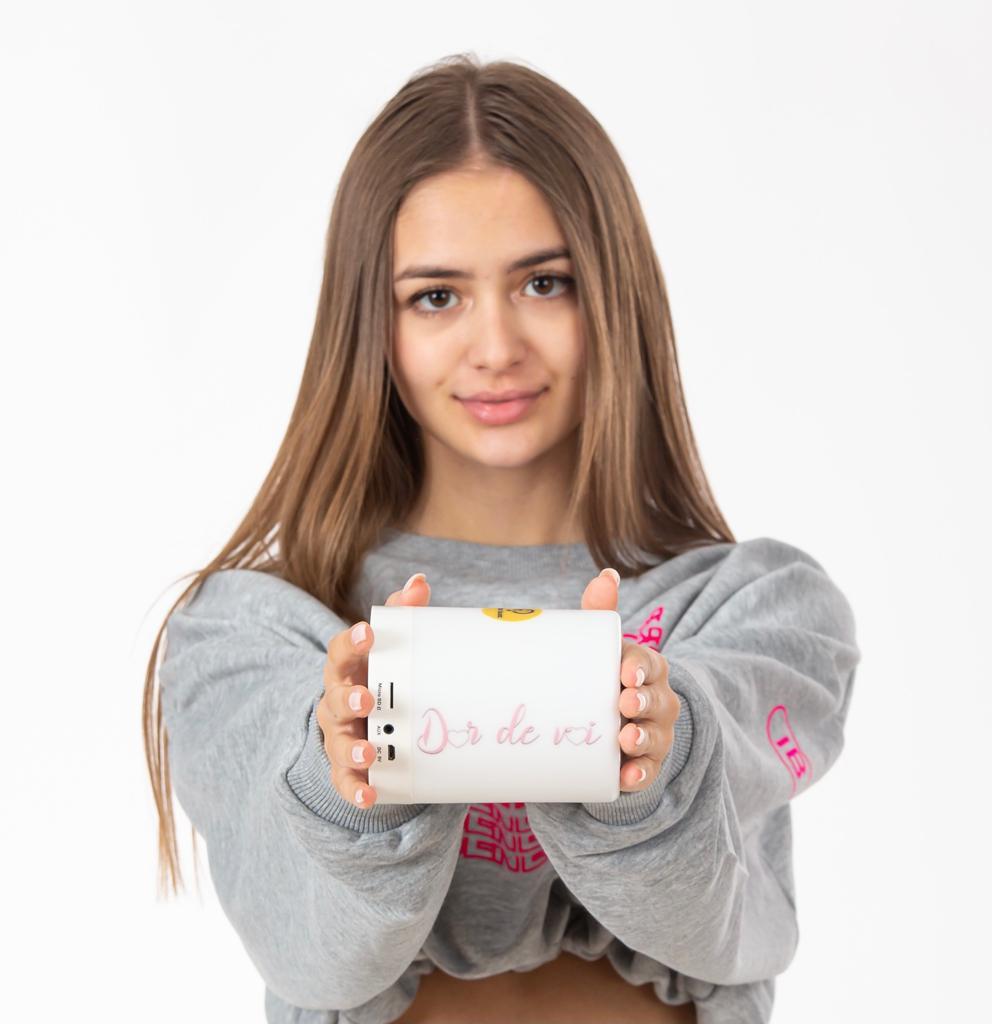 ALBUM Dor de Voi pe boxa portabila Light Multicolour Bluetooth cu SD card inclus ( Editie Limitata )